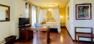 AZOFRA-habitaciones-Burgos-Suite-1