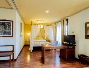 Azofra-habitacion-suite-burgos